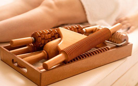 Maderoterapia: moldea tu cuerpo de forma natural